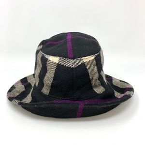 Burberry Bucket Hat size M